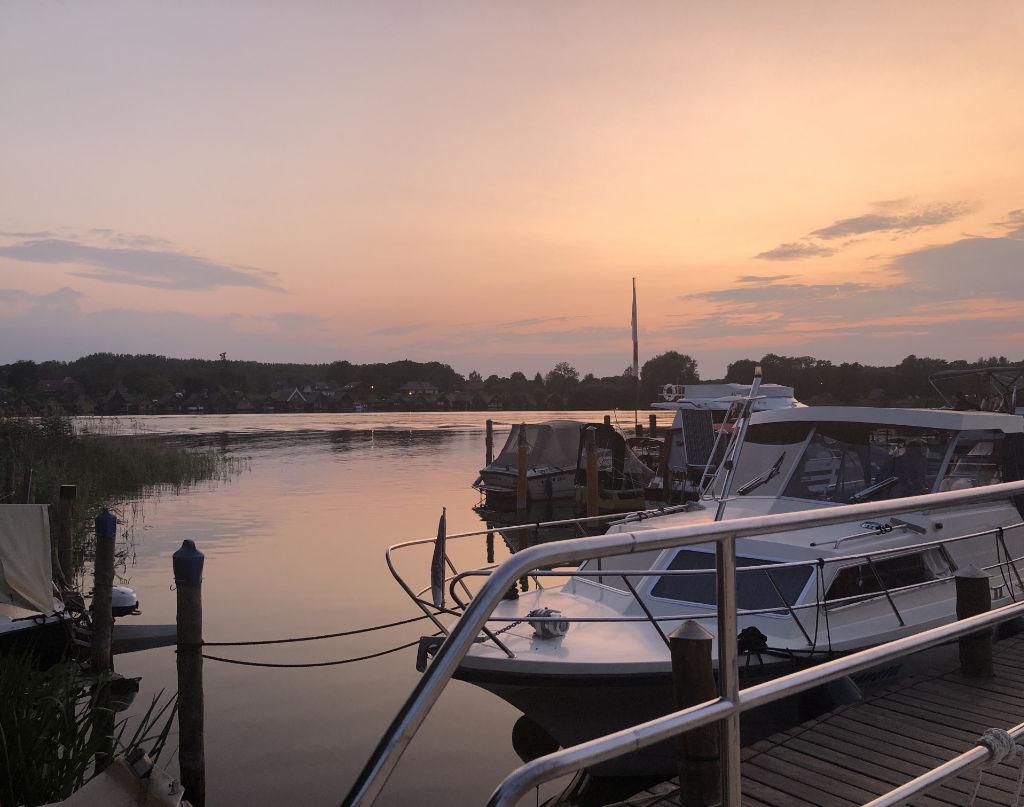 Sonnenuntergang von unserem Bootsdach aus